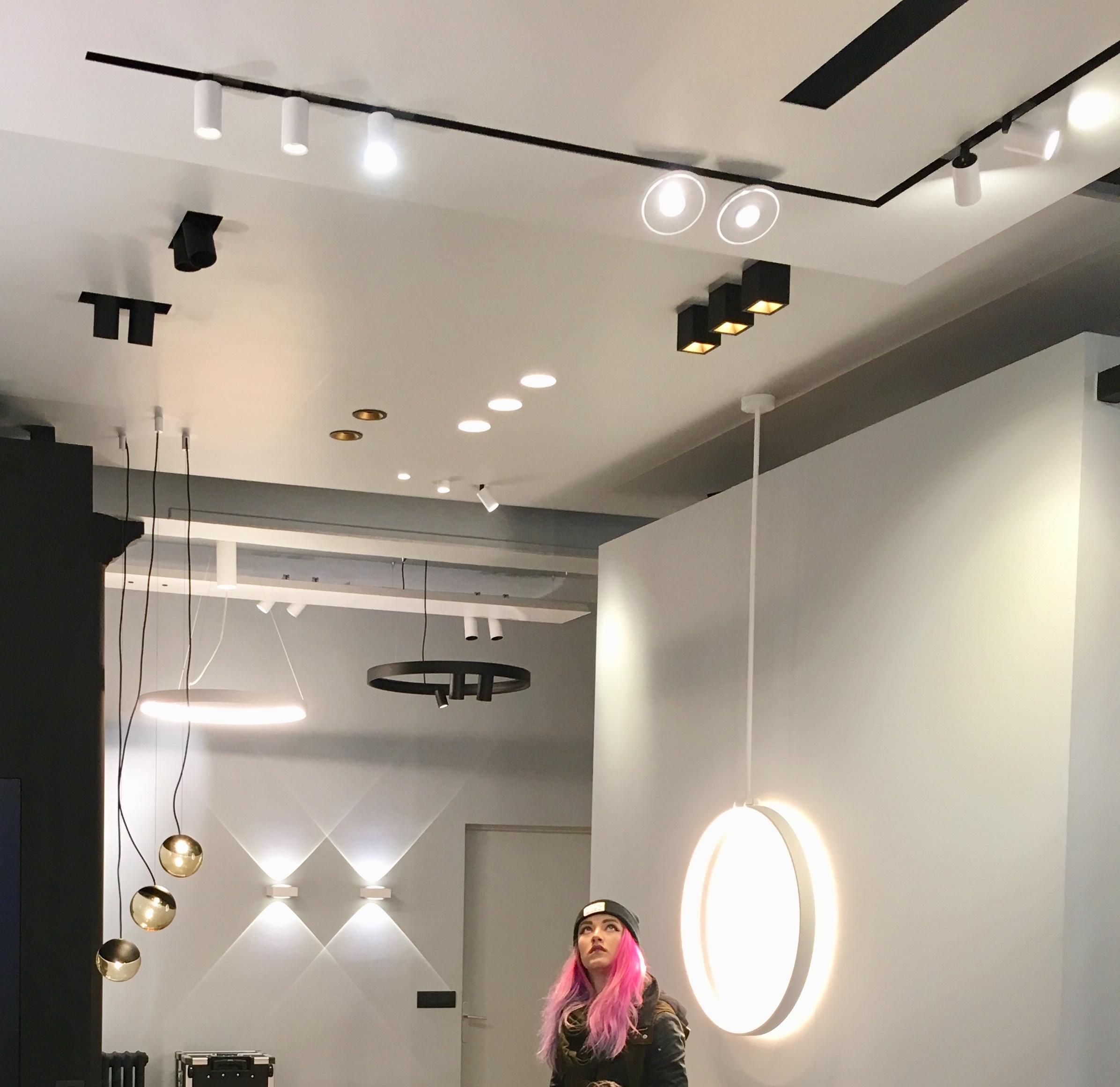 Interior design students visit belgian lighting specialist for Interior design lighting specialist